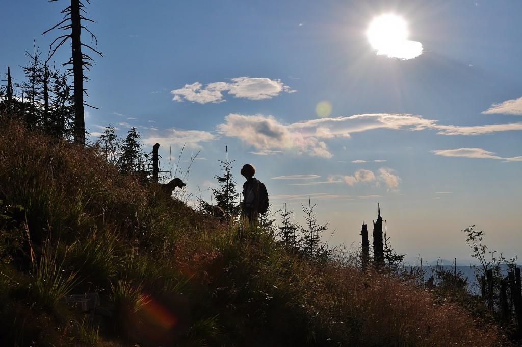 Na Lysou horu se lidé vydávají klidně i odpoledne. Po práci je to skvělý relax.