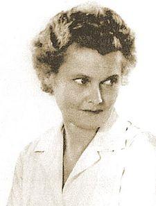 Joy Adamsonová, známá autorka příběhu lvice Elsy, se narodila v Opavě.