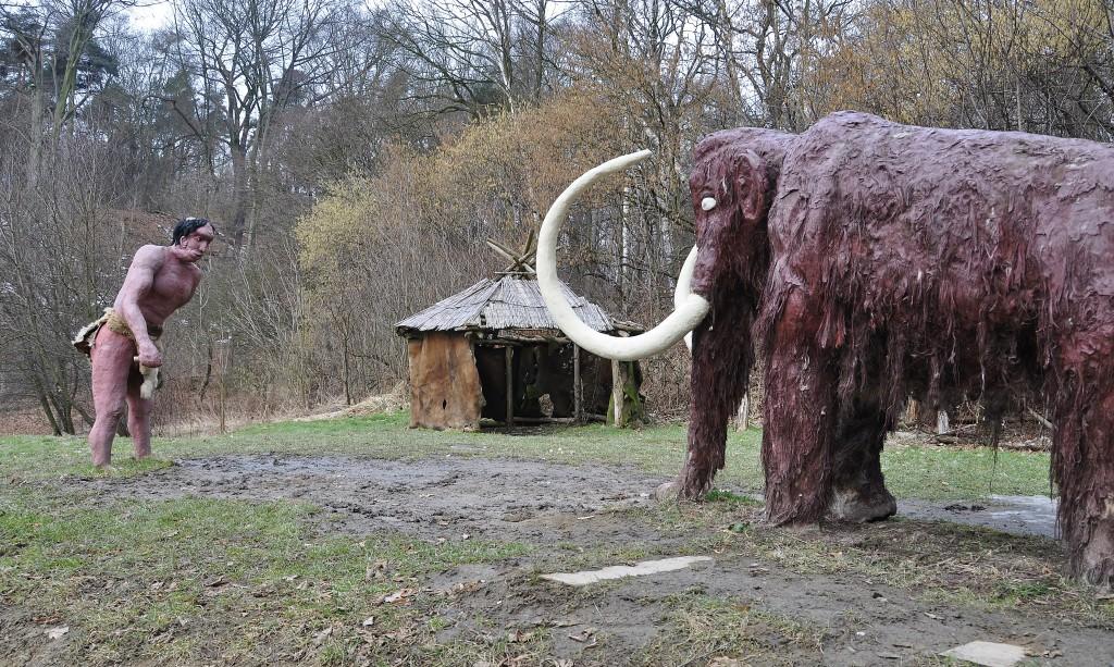 Kdo ví, jestli nějak takto vypadal ten dávný lovec mamutů, který na Landeku vyřezal sošku své milé.
