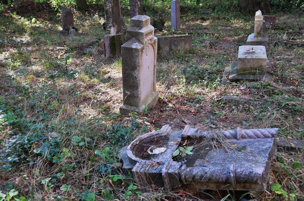 starý hřbitov u kostela v Pelhřimovech