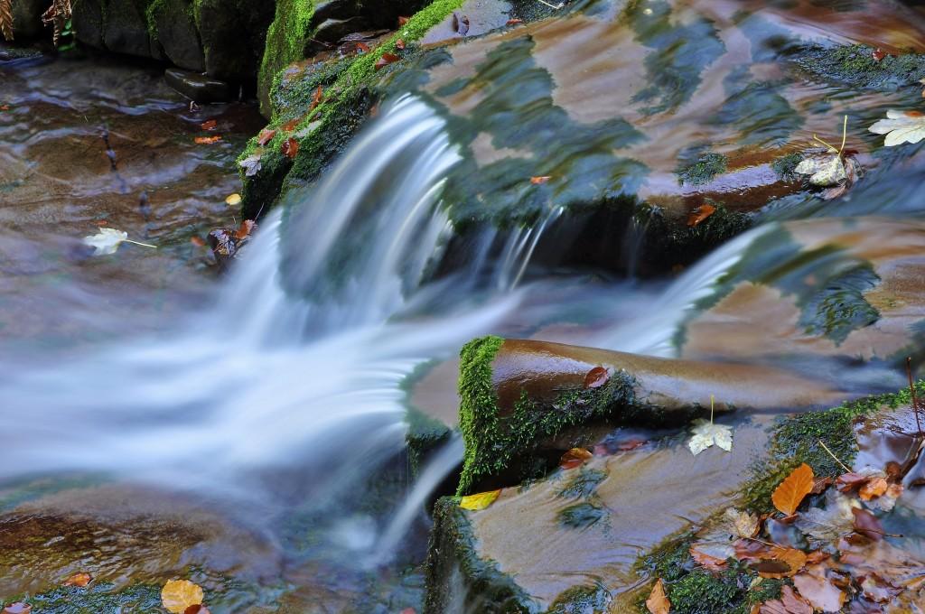 Voda a kámen.