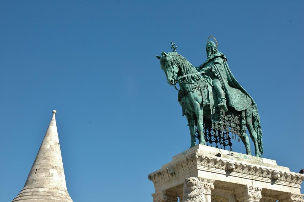 Snad nikde jinde jsem neviděl tolik jezdeckých soch, jako tady, v Budapešti.