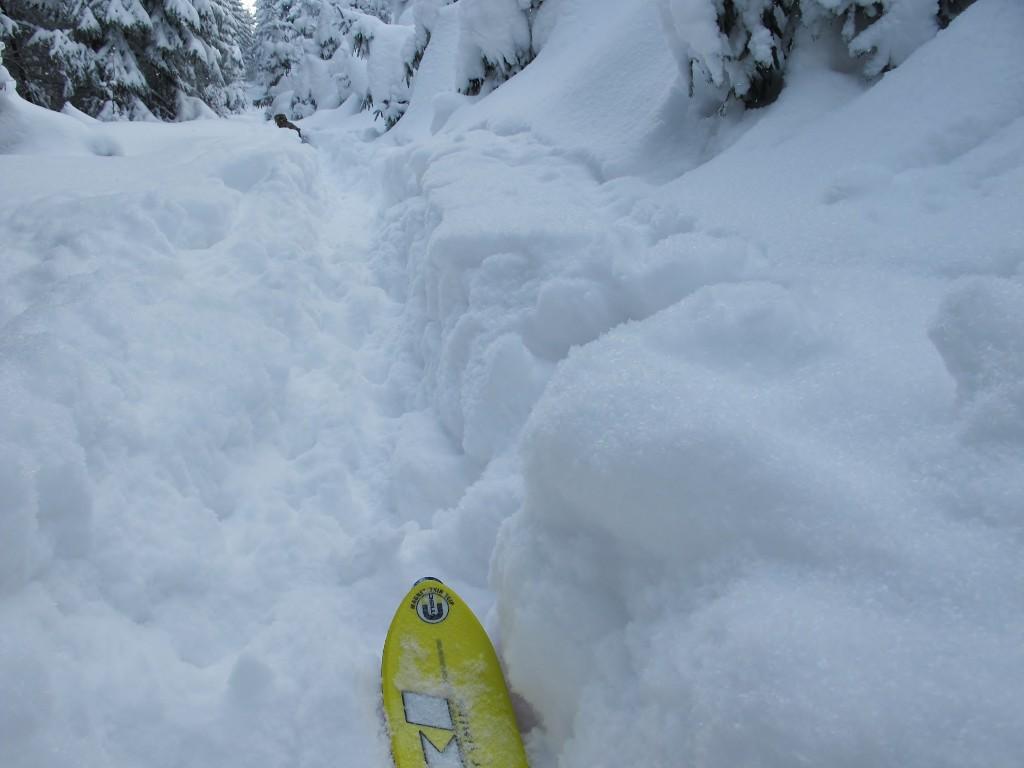 Díky skialpinistickým lyžím projdete terénem, kde se jinak v zimě chodit skoro nedá.
