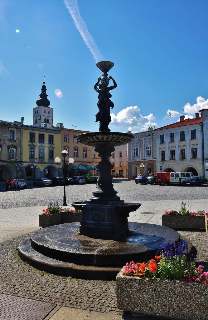 Litinová kašna je dominantou středu historického náměstí v Příboře.