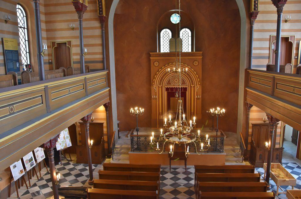 Synagoga v Krnově je dnes skvěle opravena.