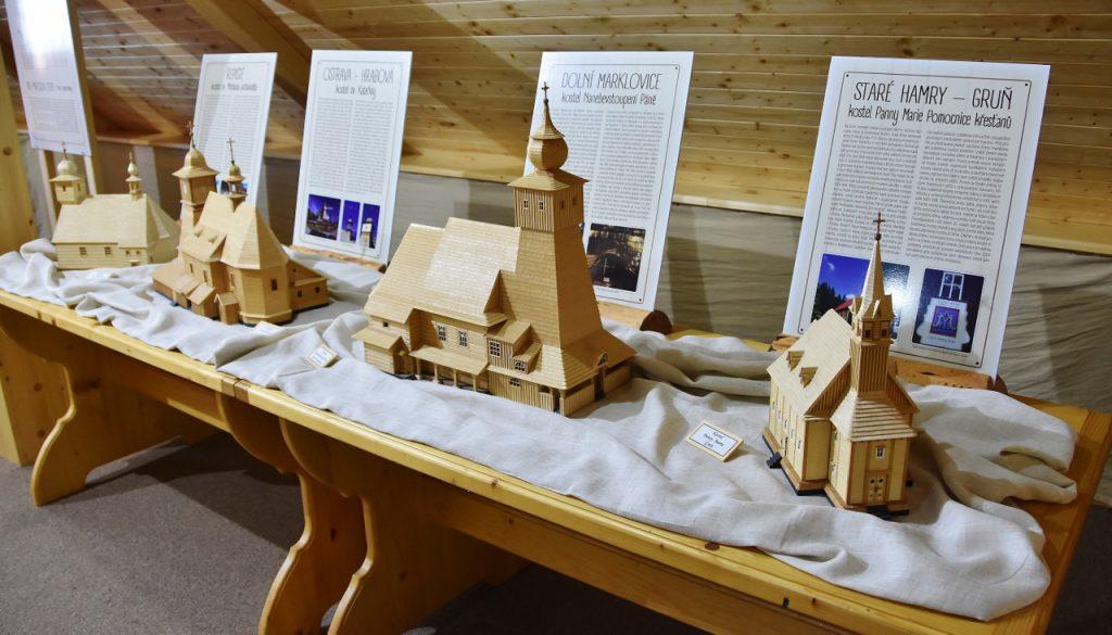 Kostelíky na výstavě
