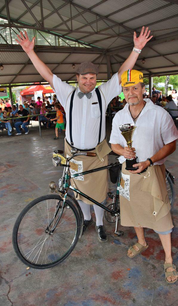 Vítězství si odnesli, či spíše odvezli, hrabovští velocipedisté.