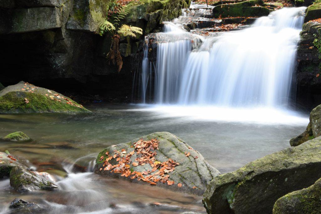 Vodopády na říčce Satině jsou jedním z nejmalebnějších míst Beskyd.