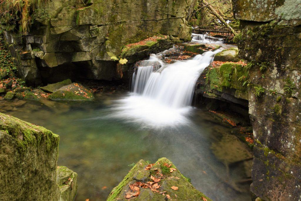 Tajemné a přitom tak romantické. Takové jsou Satinské vodopády.