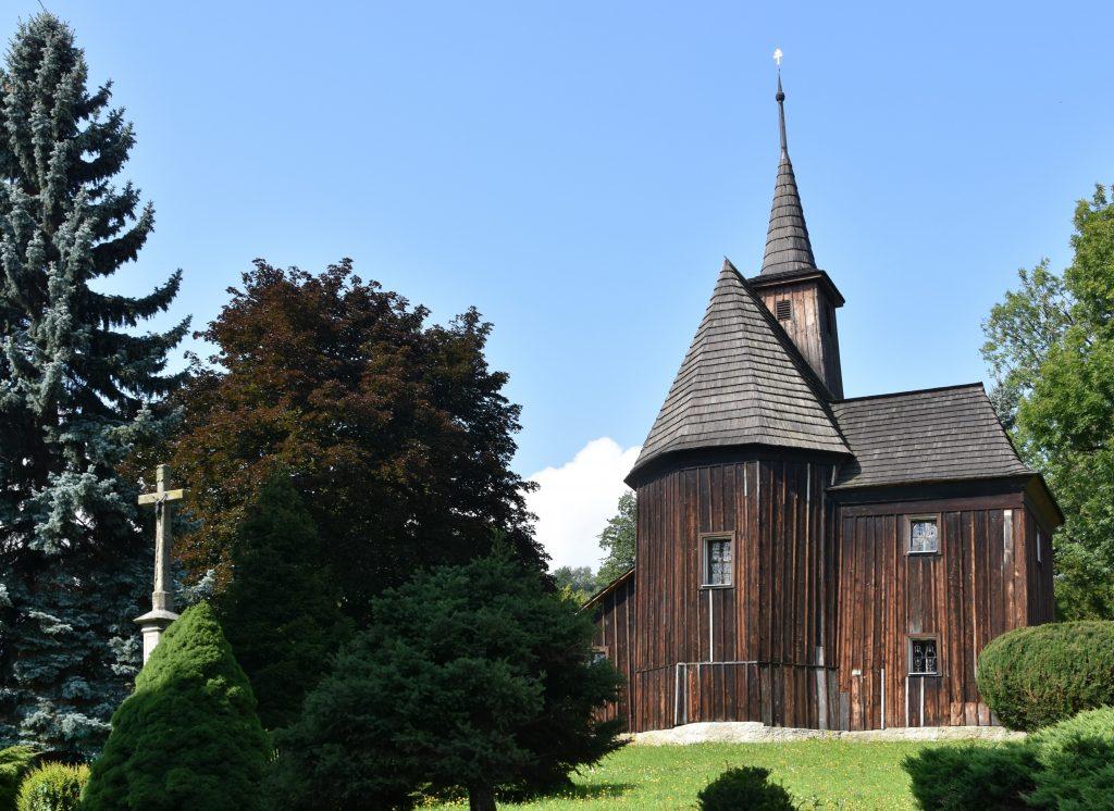 Kostel Svatého Ondřeje je nejstarší památkou Hodslavic.